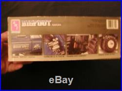 AMT. VINTAGE 1989 Ford F150 BIGFOOT 4X4X4 125 SCALE MODEL KIT #6712