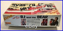 AMT Vintage 132 BJ And The Bear Kenworth Aerodyne & Reefer Trailer Model Kit