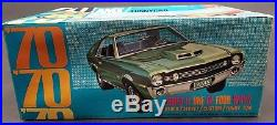 AMT Y722 1970 AMC AMX FUNNY ANNUAL 1/25 Model Car Mountain COMPLETE