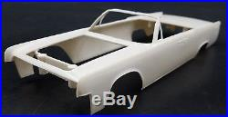Amt 06-513 1963 Lincoln Continental Convertible Annual 1/25 Model Car Mountain