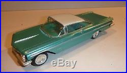 Amt 1960 Pontiac Bonneville Hardtop 1/25 Model Car Mountain Promo