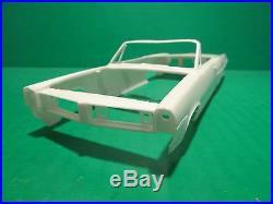 Amt 1964 Pontiac Bonneville Convertible Annual 1/25 Model Car Mountain Vintage