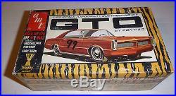 Amt 1965 Pontiac Gto #2600 1/25 Model Car Mountain Kit Vintage Annual Tempest