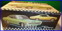 Amt 1967 Ss427 Chevy Impala Sport Coupe 6727 Annual 1/25 Model Car Mountain Kit