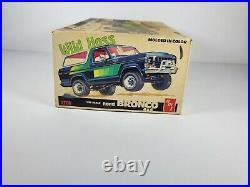 Amt Ford Bronco 4 X 4 Wild Hoss, 1/25 Scale Free Shipping