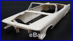 Amt K812 1962 Chrysler Imperial Convertible Annual 1/25 Model Car Mountain