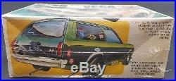 Amt T457 1975 Chevy Vega Funny Van 1/25 Model Car Mountain Vintage