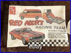 Bob Hamilton Amt 1970 Chevelle Red Alert Race Team Model Kit unopened