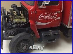 Built 1/25 Amt Coca Cola Ford Short Hauler Model Truck