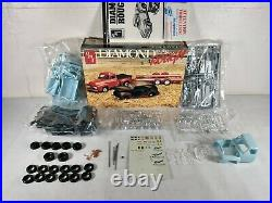 Diamond In The Rough'53 Ford Truck Trailer & Junk'40 Ford AMT 125 Model Kit