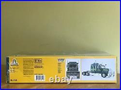 Italeri 1/24 Australian Truck and AMT 1/25 Extendable Heavy Duty Flatbed Trailer