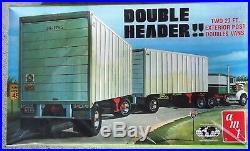 KIT DOUBLE HEADER TWO 27 ft EXTERIOR POST VAN TRAILER KIT AMT 1/25