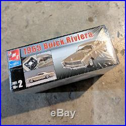 MODEL CAR KIT LOT (2 KITS) AMT 1965 Buick Riviera & 1966 Ford Fairlane GT/GTA