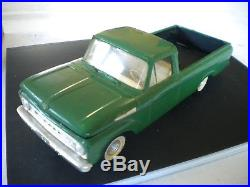 Model kit 1961 FORD Pickup AMT K-131