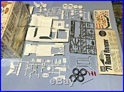 Mpc 1971 Plymouth Roadrunner Annual #1-7125-200 71 Amt 1/25 Complete Model Kit