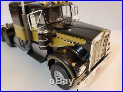 Pro built custom 1/25 Kenworth Smokey and the Bandit Snowman's Kenworth