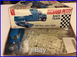 RICHARD PETTY RACE TEAM FORD LOUISVILLE DODGE DART 1/25 SCALE AMT MODEL KIT
