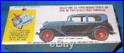 Rare AMT 1932 Ford Sedan-T133 Street Rods-2 in 1 1/25 Kit-Model Car Swap Meet
