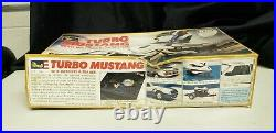 Revell Turbo Mustang With Wetbikes and Trailer 14/25 Scale Model, #7401