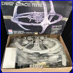 Star Trek Deep Space Nine Station Model Kit With Fibre Optic Lighting by AMT