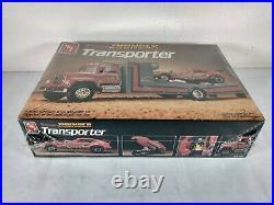 Tennessee Thunder Transporter AMT ERTL 125 Model Kit # 6636