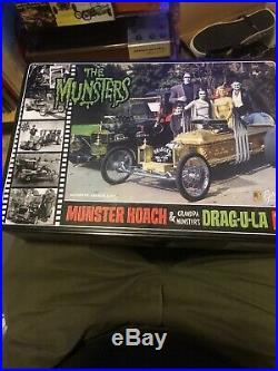 The Munsters 2 Car Model Kits New In Tin Box Herman Koach & Dragula Barris Amt