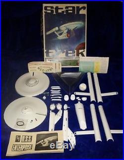 VINTAGE 1966 STAR TREK U. S. S. ENTERPRISE Space Ship Model Kit 921-200 AMT