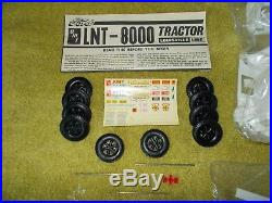VINTAGE 1/25 AMT Ford LNT-8000 Conventional, opened. #T504