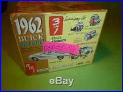 VINTAGE AMT 1962 BUICK SPECIAL STATION WAGON ANNUAL 1/25 Model Car Mountain