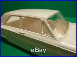 VINTAGE AMT 1962 FORD FAIRLANE 2 DR SEDAN 1/25 Model Car Mountain K162