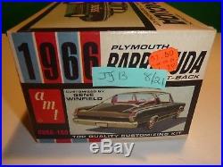 VINTAGE AMT 1966 PLYMOUTH BARRACUDA CUDA ORIGINAL 1/25 Model Car Mountain #6856