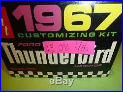 VINTAGE AMT 1967 FORD THUNDERBIRD ANNUAL 1/25 Model Car Mountain #6227