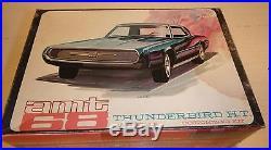 VINTAGE AMT 1968 FORD THUNDERBIRD ANNUAL 1/25 Model Car Mountain #6228