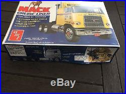 VINTAGE AMT 1/25 CAMION MACK CRUISE LINER T536 neuf new