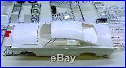 VINTAGE ORIGINAL AMT 1968 FORD GALAXIE XL 1/25 MODEL CAR KIT #6128-200 w BOX