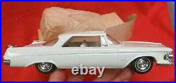 VINTAGE SMP AMT 1962 WHITE IMPERIAL 2 DOOR 125 SCALE WithBOX PROMO CAR
