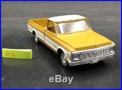VTG CHEVY 1971 C-10 FLEETSIDE PICKUP DEALER PROMOTIONAL TRUCK 1/25 mustard/white