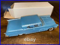 Vintage 1960 Lincoln Continental Mark V AMT Dealership Promo Friction Car
