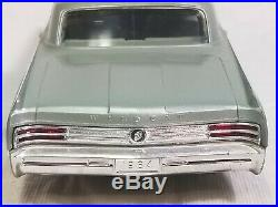 Vintage AMT 1964 Buick Wildcat Surf Green Metallic Dealer Promo Car 1/25 nr mint