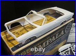 Vintage AMT 1965 Chevrolet Impala Convertible 1/25 Scale Model Kit Excellent