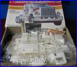 Vintage AMT GMC GENERAL Truck Model Kit 1/25 Scale