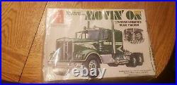 Vintage AMT Kenworth 1 25 Semi Truck Tractor Trailer T560 Model Kit Movin On