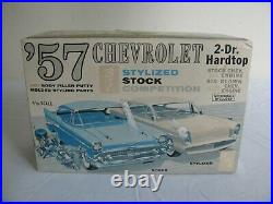 Vintage AMT Trophy Series 1957 Chevrolet 2-Door Hardtop 3'n1 Stylized Kit #T757