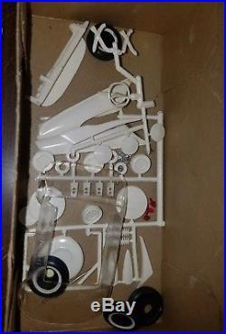 Vintage Amt 1960 Imperial Hardtop 3 In 1 Model Kit Unbuilt In Box