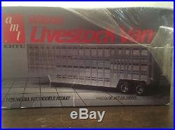 Vintage Amt 1/25 Wilson Truck Livestock Van Trailer 6684