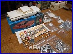 Vintage Amt Plastic Model Kit Of A 1960 Chevrolet Impala Hrdtp. # 7780 139