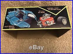 Vintage Rare AMT 1967 Corvette Stingray 1/25 Plastic Model Kit T238 Boxed