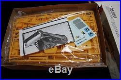 Vintage plastic model kit ertl amt caterpillar D8H complete 1-25 scale tractor